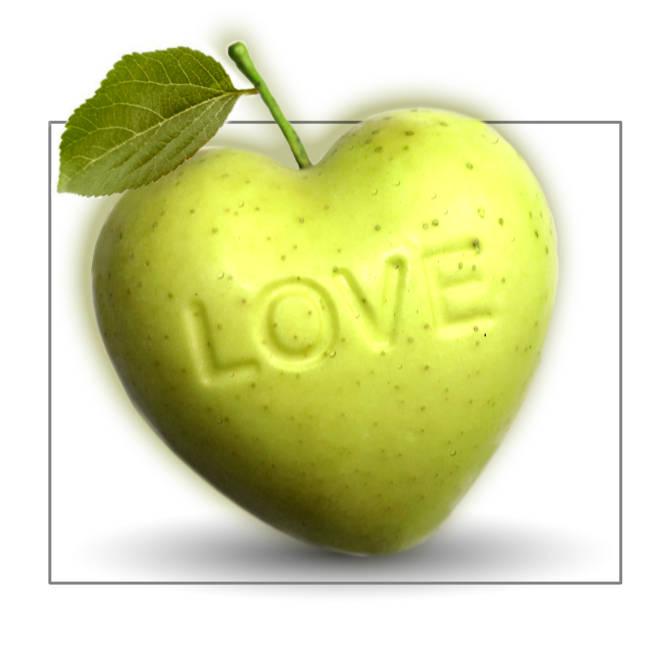Apfel mit Herz Herzapfel in grün